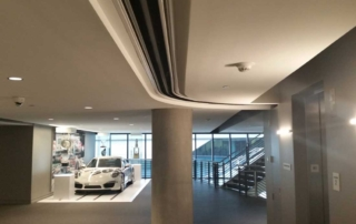 casestudy-auto-manufacturer-builds-custom-showroom